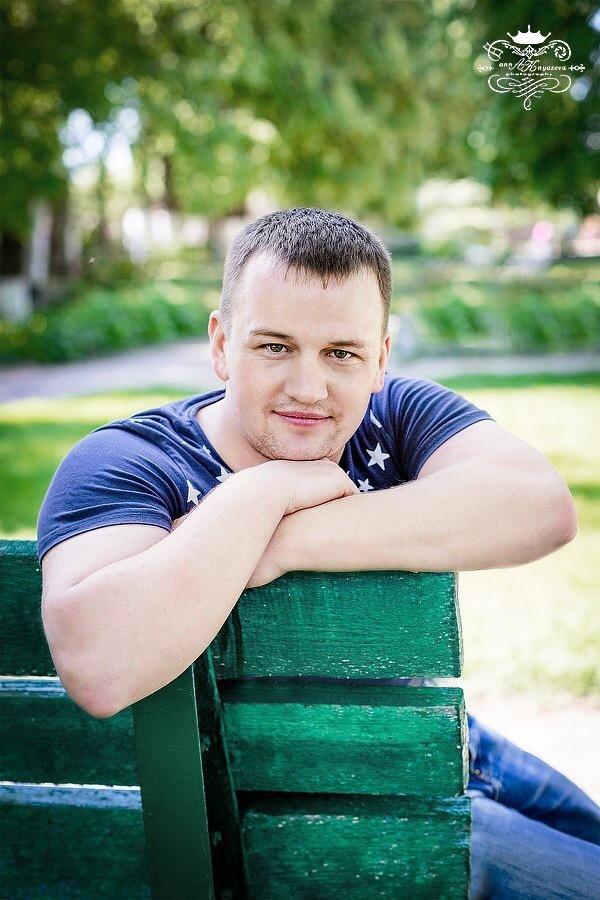 Автор фотовыстаки Николай Костиков